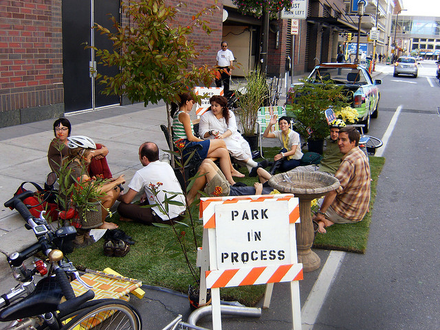 Park(ing) Day 2008 w Minneapolis fot. sv Johnson CC BY-NC-SA 2.0