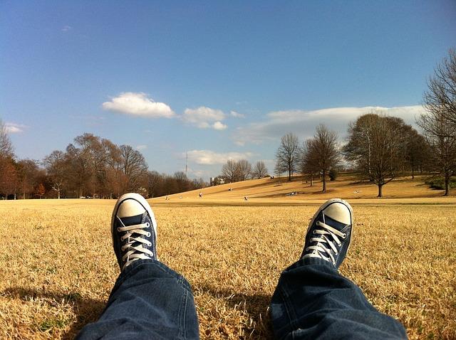 Kilka minut dla relaksu pomaga w odzyskaniu pogody ducha i poprawia odporność. Źródło Pinterest. CC0 Public Domain