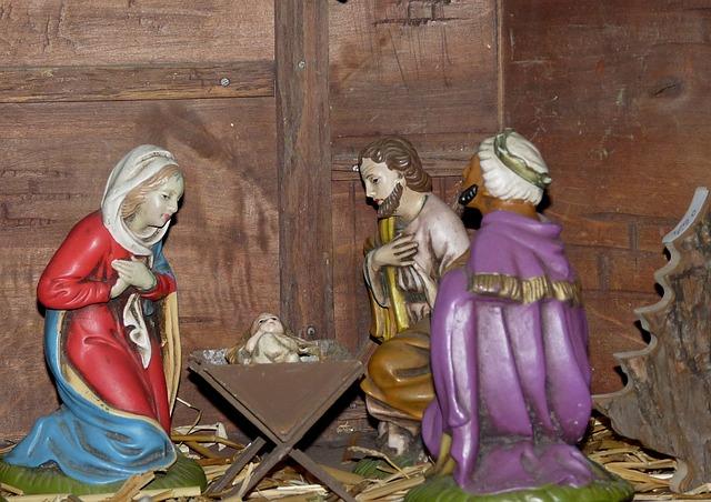 christmas-crib-figures-516810_640